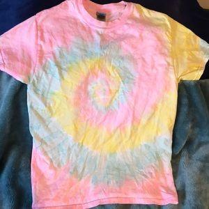 Gildan tie dye short sleeve t-shirt